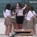 【レイプレズ動画】赤いガーターストッキングとパンツを履いた女教師が生意気な教え子に身体を弄ばれる♡