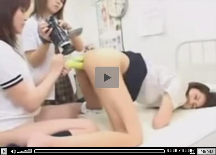 【無修正レズ動画】ブルマJKと制服JKと保健室の先生がビデオ撮影しながら緊縛プレイやバイブプレイをお楽しみ♡