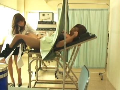 【盗撮レズ動画】産婦人科に不妊検査に来たギャルを感度チェックという名目で淫具でイカせる女医♡