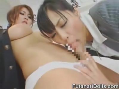 【愛撫レズ動画】ふたなりの巨乳ギャルJKが担任の痴女教師におちんちんを舐められちゃう♡